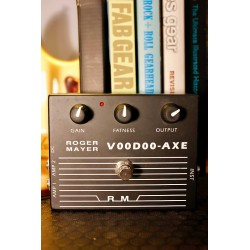 Roger Mayer Voodoo-Axe Classic signed by Michael Landau personal Collection...